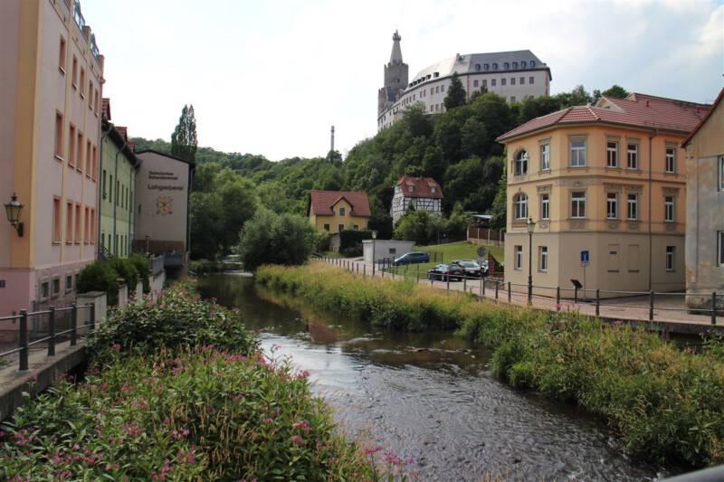 Blick von der Stadt hinauf zur Osterburg Weida