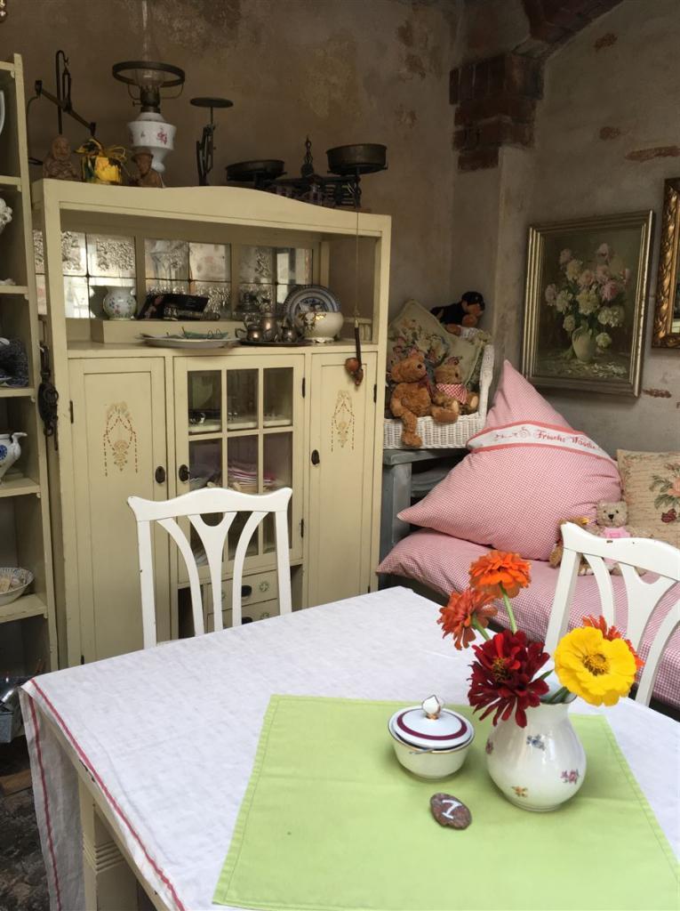 Café Sonnenhof - Kaffee und Kuchen im schönsten Hinterhof von Plauen