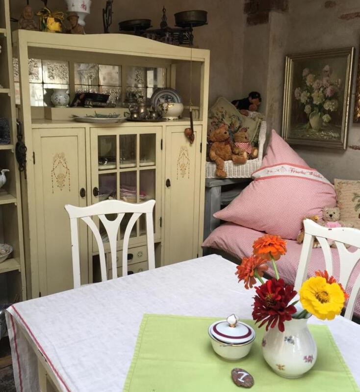 Café Sonnenhof – Kaffee und Kuchen im schönsten Hinterhof von Plauen