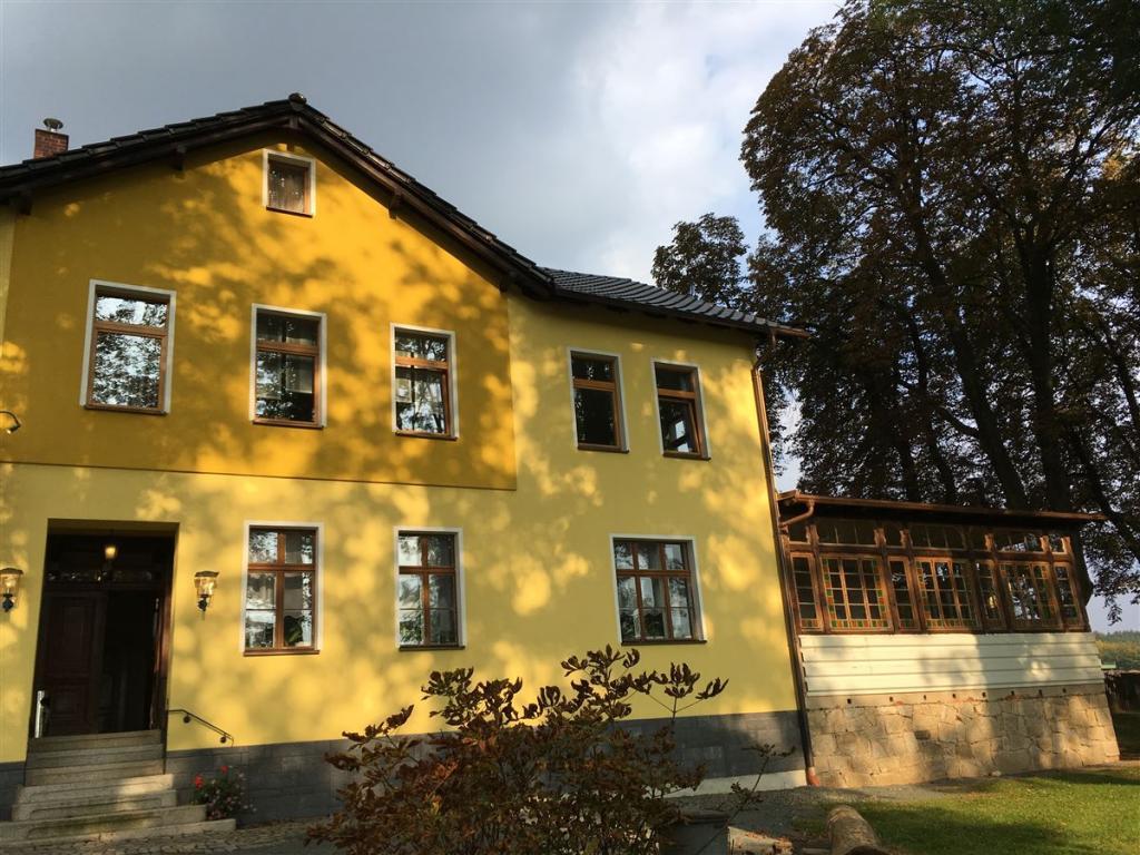 Ausflugsziel in der Nähe von Treuen im Vogtland / Sachsen - der Gasthof Perlas