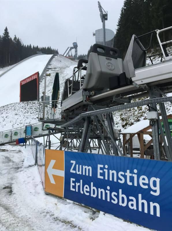 Erlebnisbahn in der Vogtlandarena - Ausflugstipp: Fahrt mit der Bahn hinaus zur Weltcupschanze
