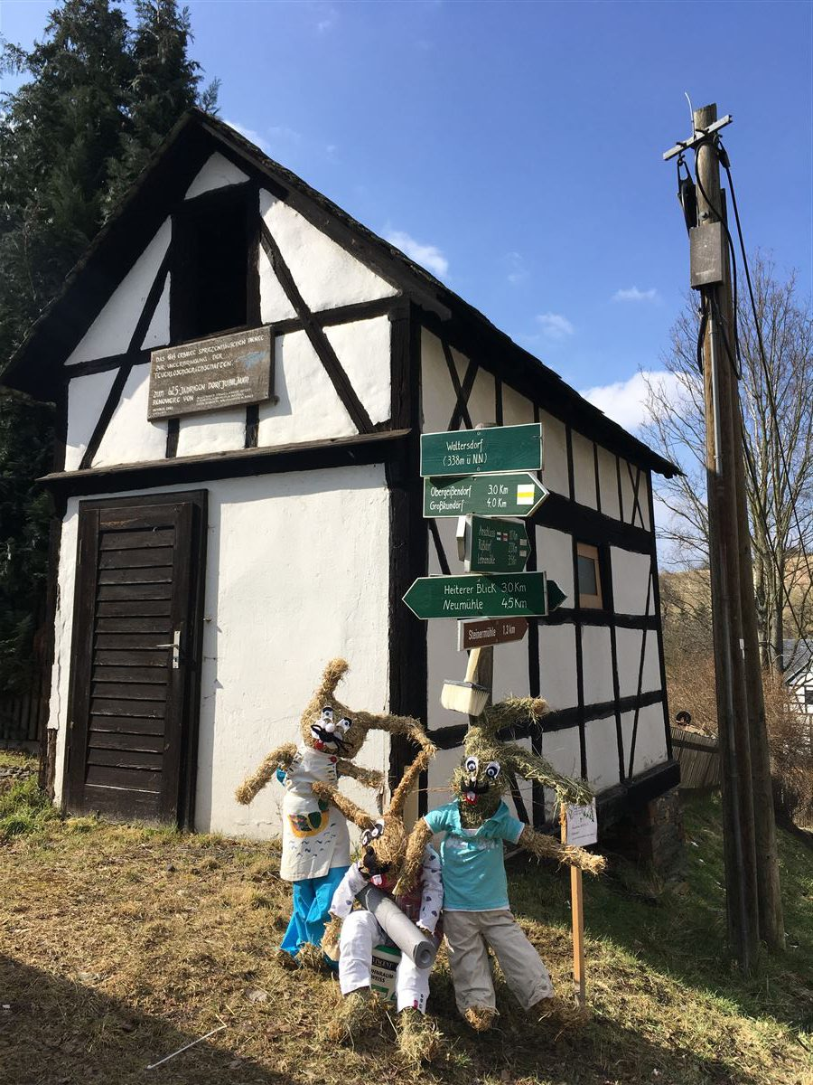 Osterhasendorf Waltersdorf - Ausflug Osterpfad