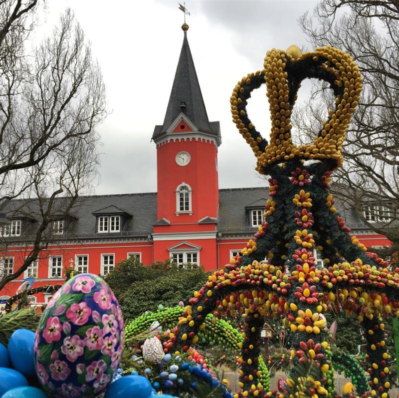 Ausflug zu Ostern - Der Osterpfad in Berga mit Osterbrunnen