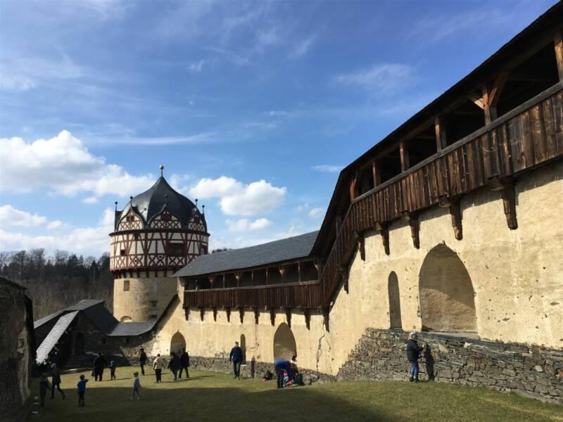 Ausflugsziel - Schloss Burgk im thüringischen Vogtland - Roter Turm - Burgen und Schlösser im Vogtland