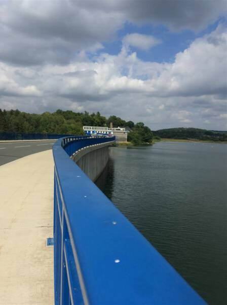 Ausflugsziel im Vogtland / Sachsen - Talsperre Pöhl - Staumauer