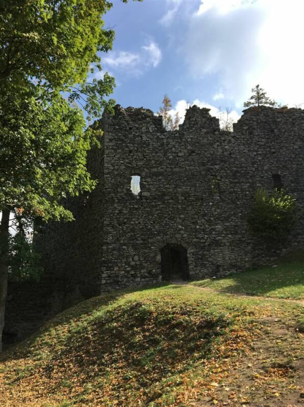 Ausflugstipp: Ruine der Burg Engelhaus Andelska Hora Kulturweg der Vögte
