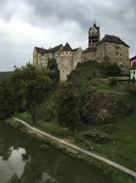 Ausflug nach Loket bei Karlsbad in Tschechien | Im Bild die Burg Loket