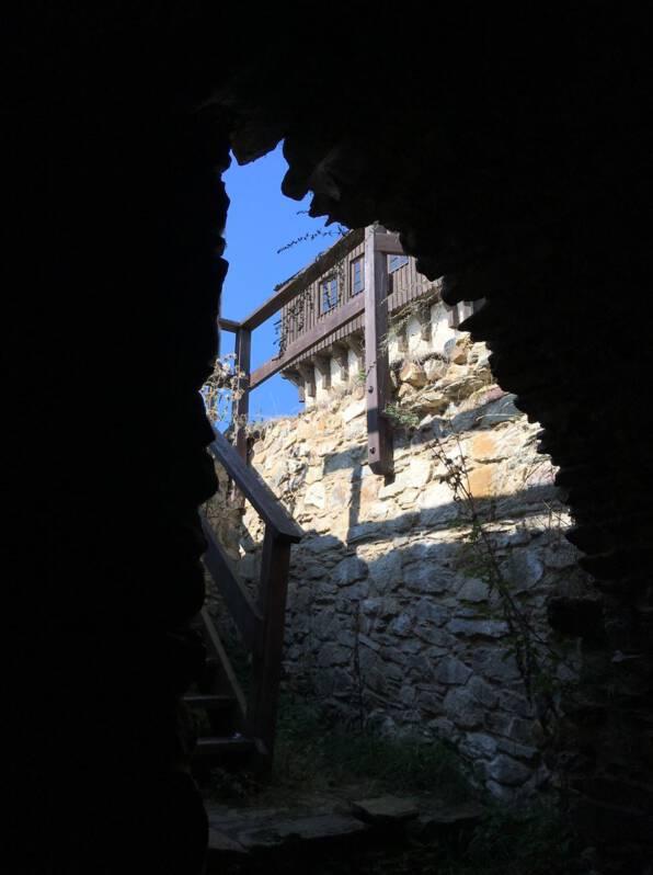 Blick auf die Ruine der Burg Hartenstein