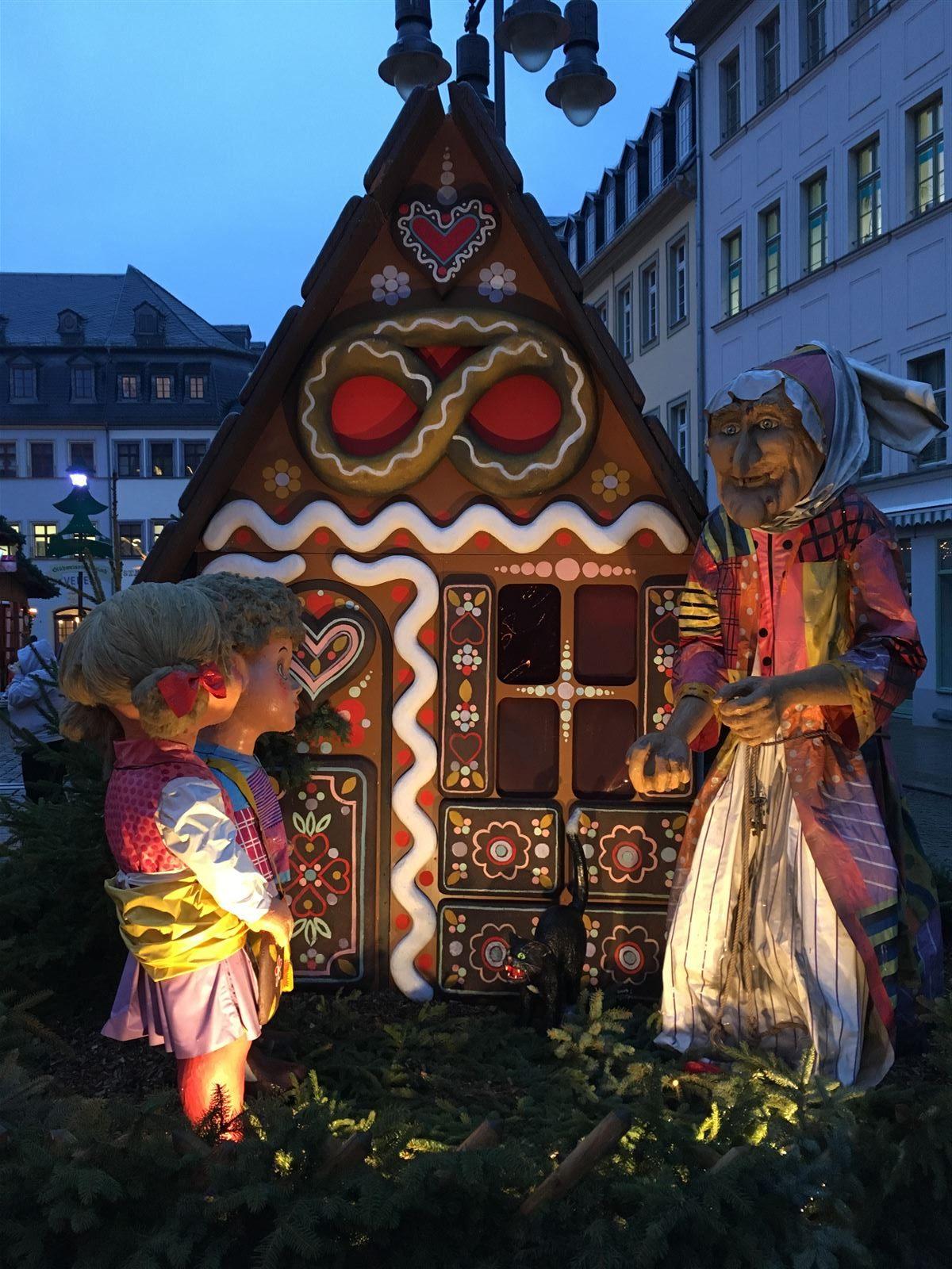 Figuren auf dem Märchenmarkt - der Weihnachtsmarkt in Gera