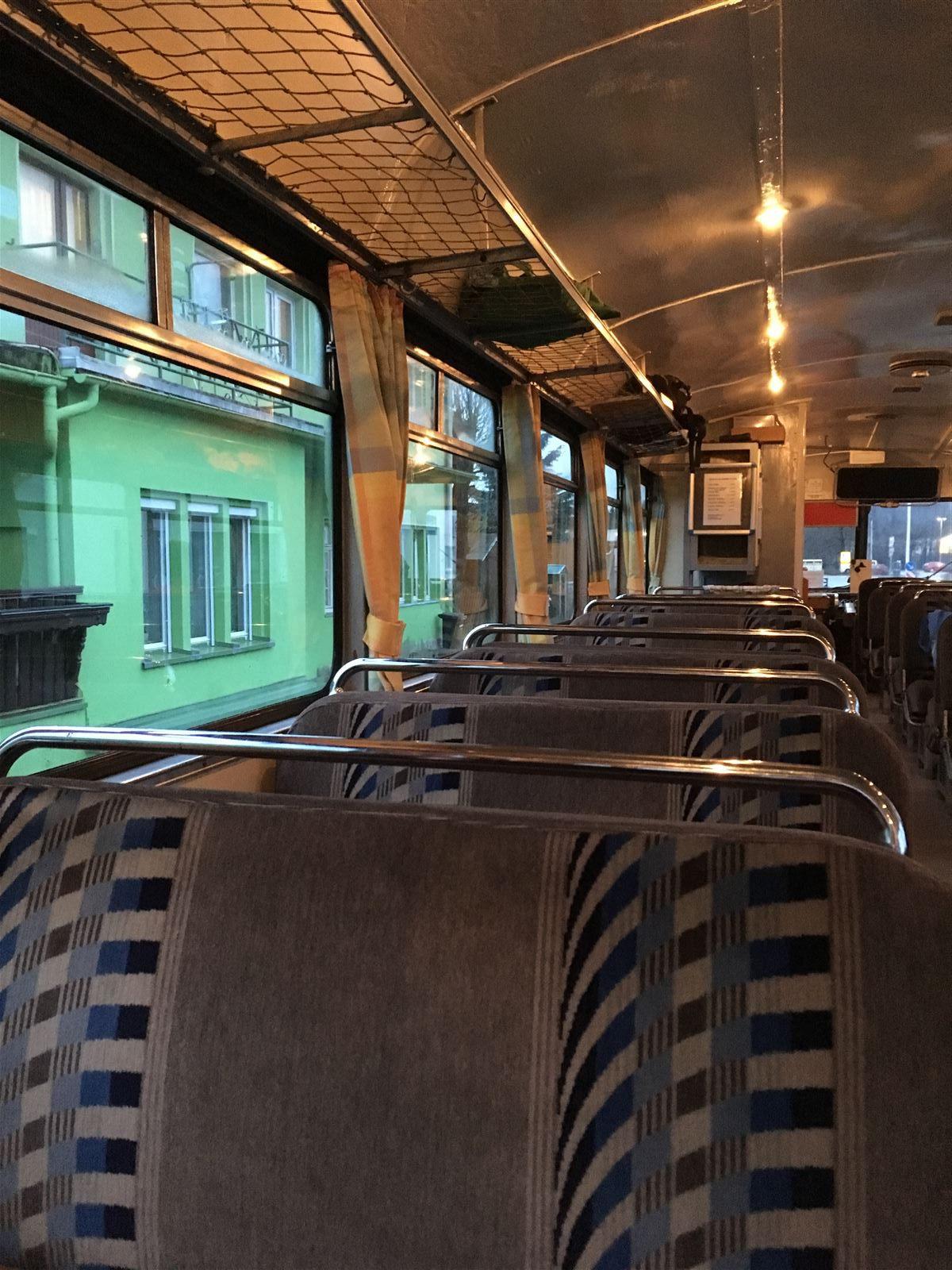 Schienenbus: nostalgische Bahnfahrt mit der Wisentatalbahn von Sachsen nach Thüringen und wieder zurück