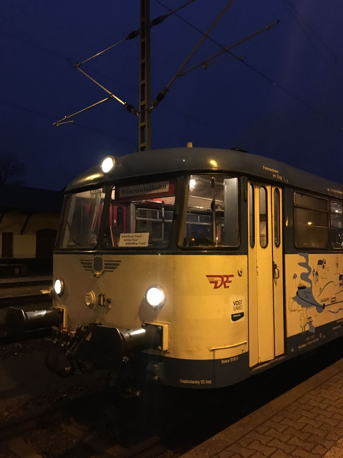 Ausflug mit dem Schienenbus´:nostalgische Bahnfahrt mit der Wisentatalbahn von Sachsen nach Thüringen und wieder zurück