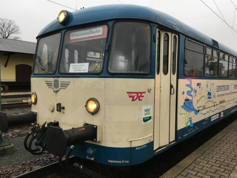 Eine nostalgische Bahnfahrt mit der Wisentatalbahn