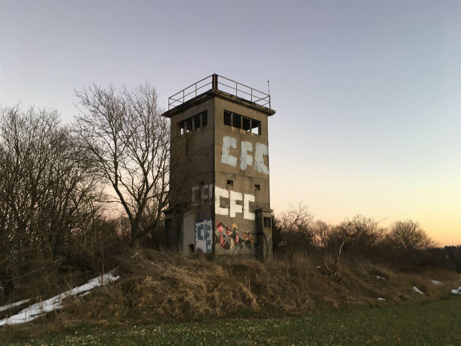 Der ehemalige Grenzturm in der Nähe von Heinersgrün