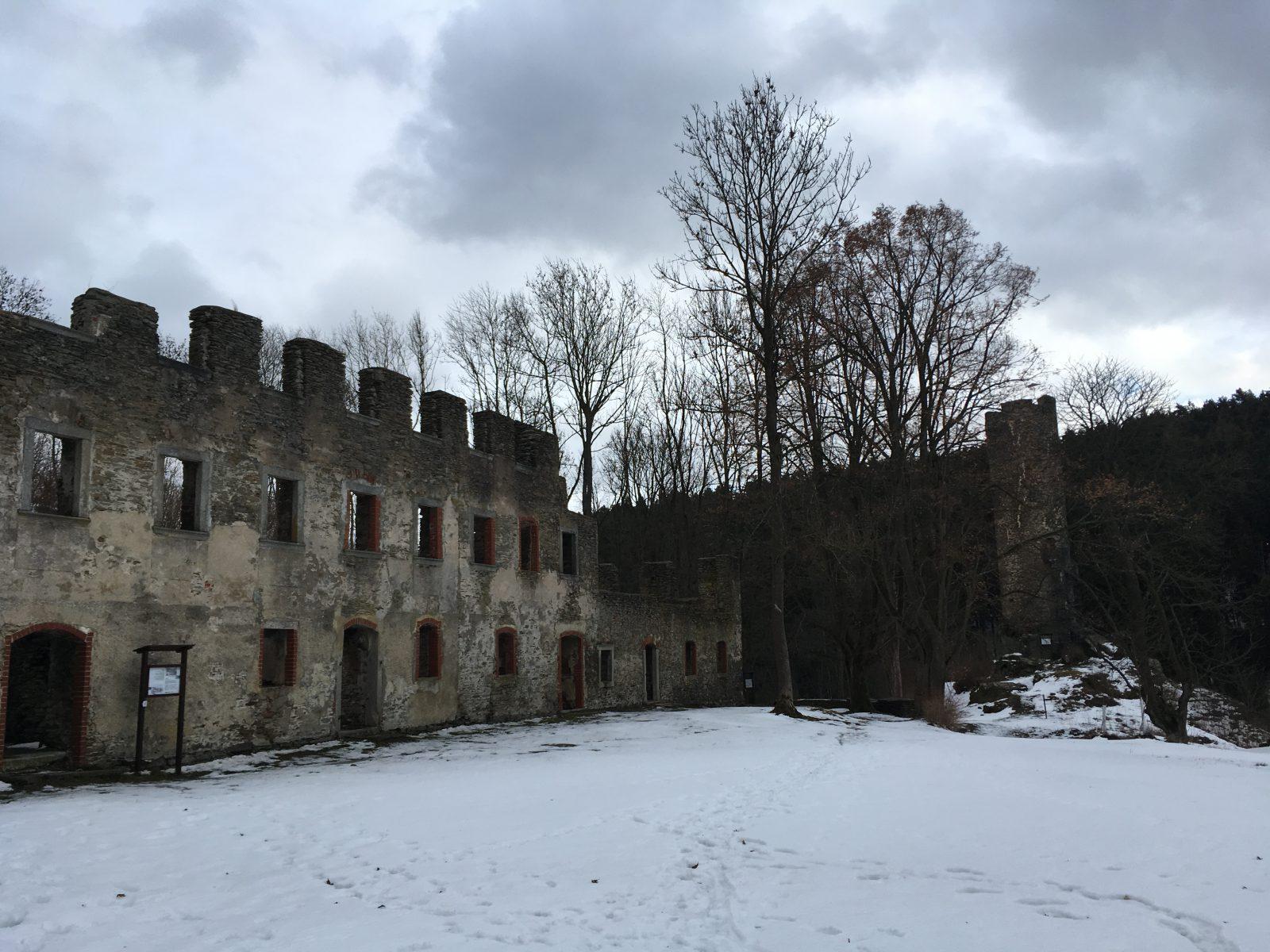 Ausflug zur Burgruine der Burg Neuberg in Podhradi