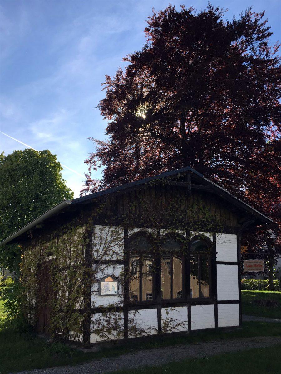 Ausflug: Landschaftspark Ebersdorf - Thüringen - nahe der Bleilochtalsperre - Lesehalle