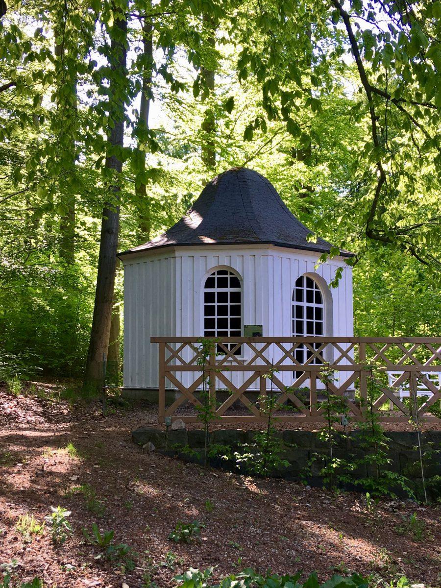 Ausflug: Landschaftspark Ebersdorf - Thüringen - nahe der Bleilochtalsperre - Teehäuschen