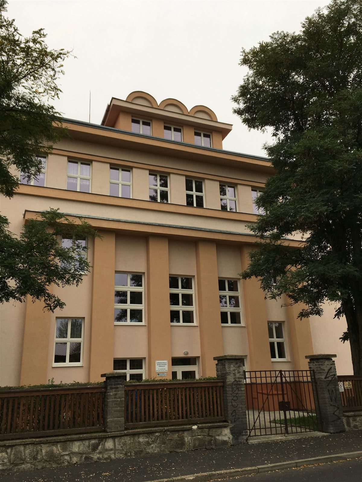 Schule von Rudolf Wels in Sokolov