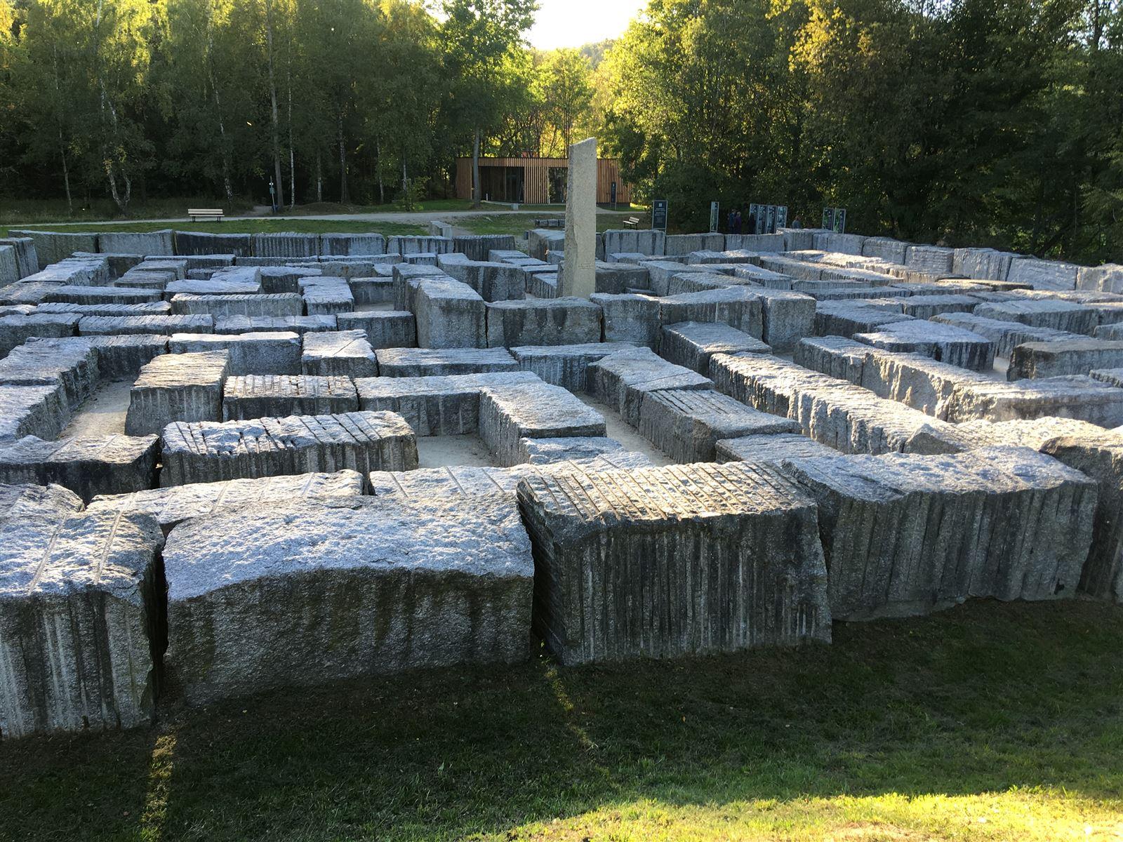 Blick auf das Granitlabyrinth