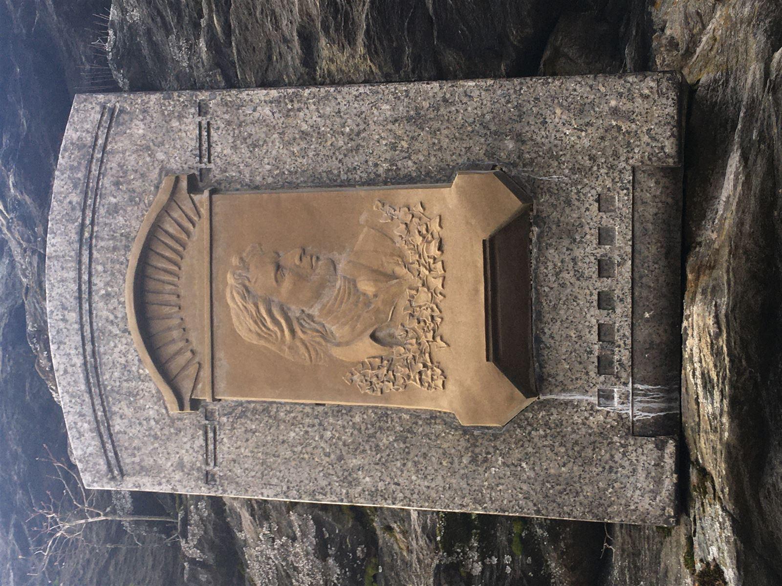Schillergedenktafel in Asch am Turm